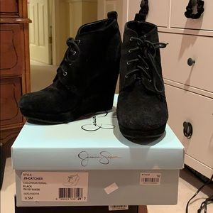 Jessica Simpson's black dude laced booties sz 6.5